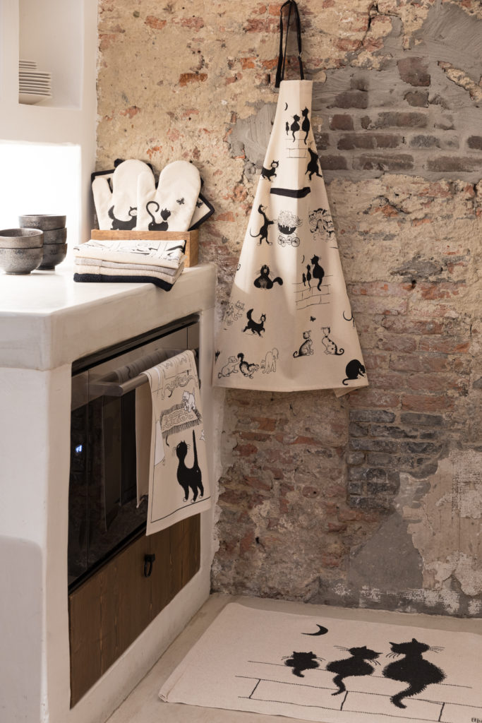 Du linge de maison, torchon, tablier et manique pour la cuisine